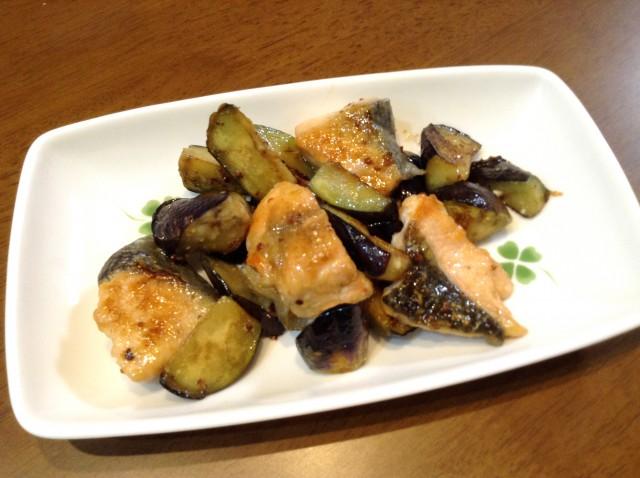 鮭とナスのハニーマスタード炒め