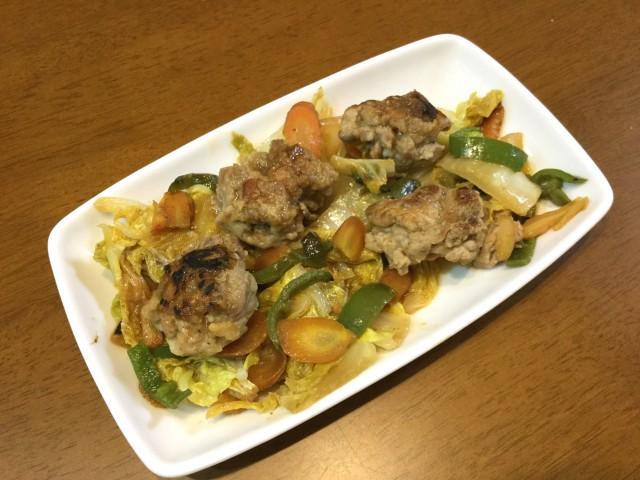 野菜たっぷり味噌風味!豚こまで肉団子