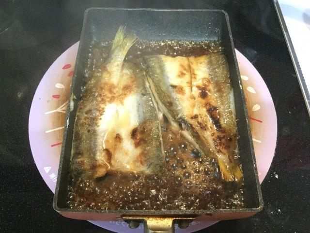 カマスのガーリック風味照り焼き手順4