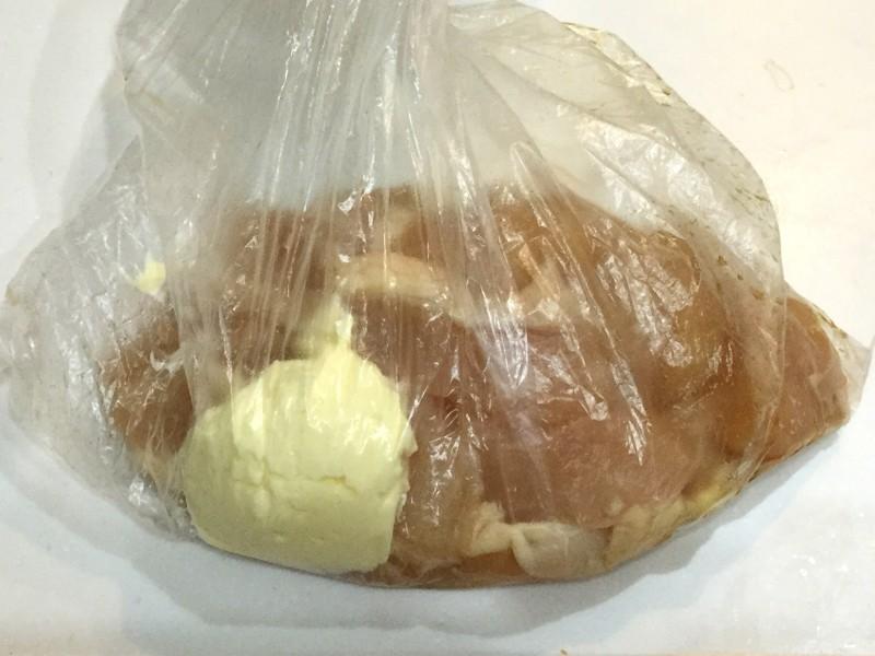 鶏のやわらかマヨネーズ漬け込み焼き手順1