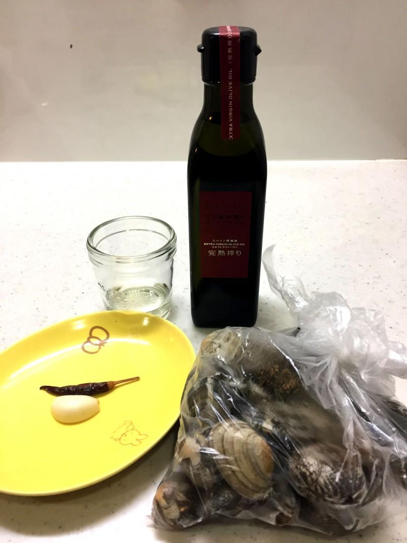 あさりのワイン蒸しの材料イメージ