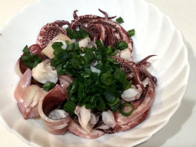 プリプリイカが美味しい!ネギたっぷりのポン酢マヨイカ手順2