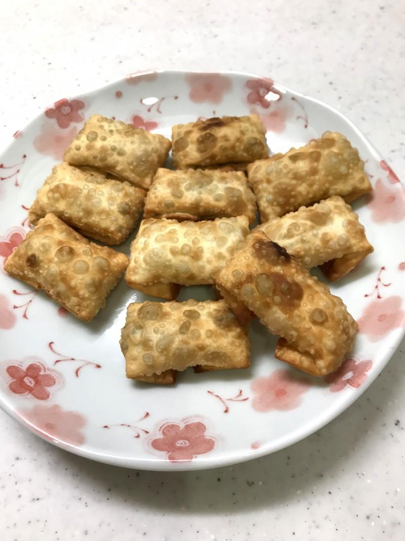 クリームチーズとハムの包み揚げ
