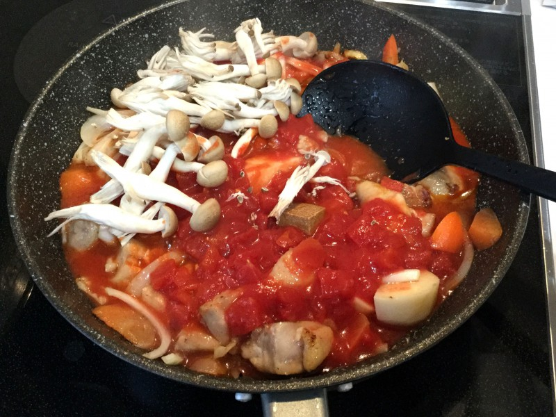鶏と野菜のトマト煮込み手順4
