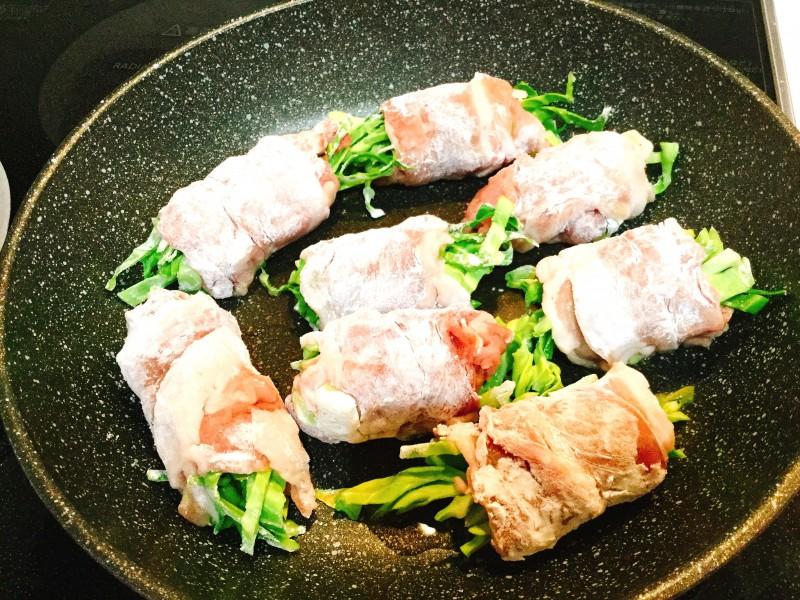 千切りキャベツの甘辛豚巻き手順3