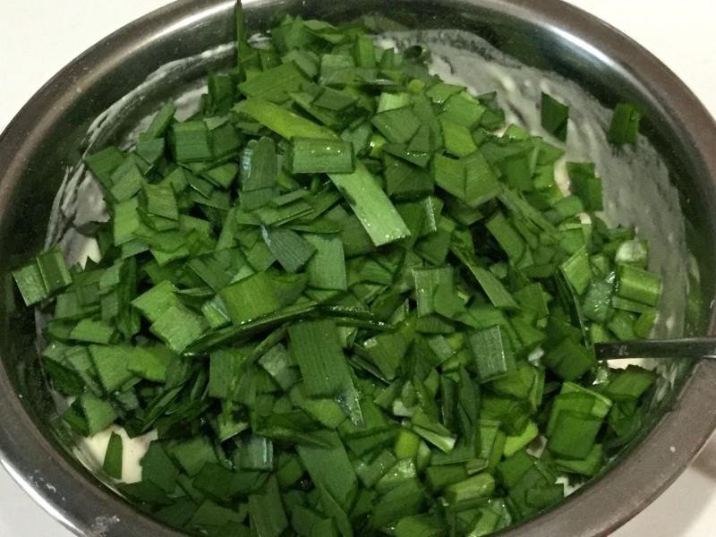 カリカリ美味しい♪ニラとひき肉の簡単チヂミ手順3