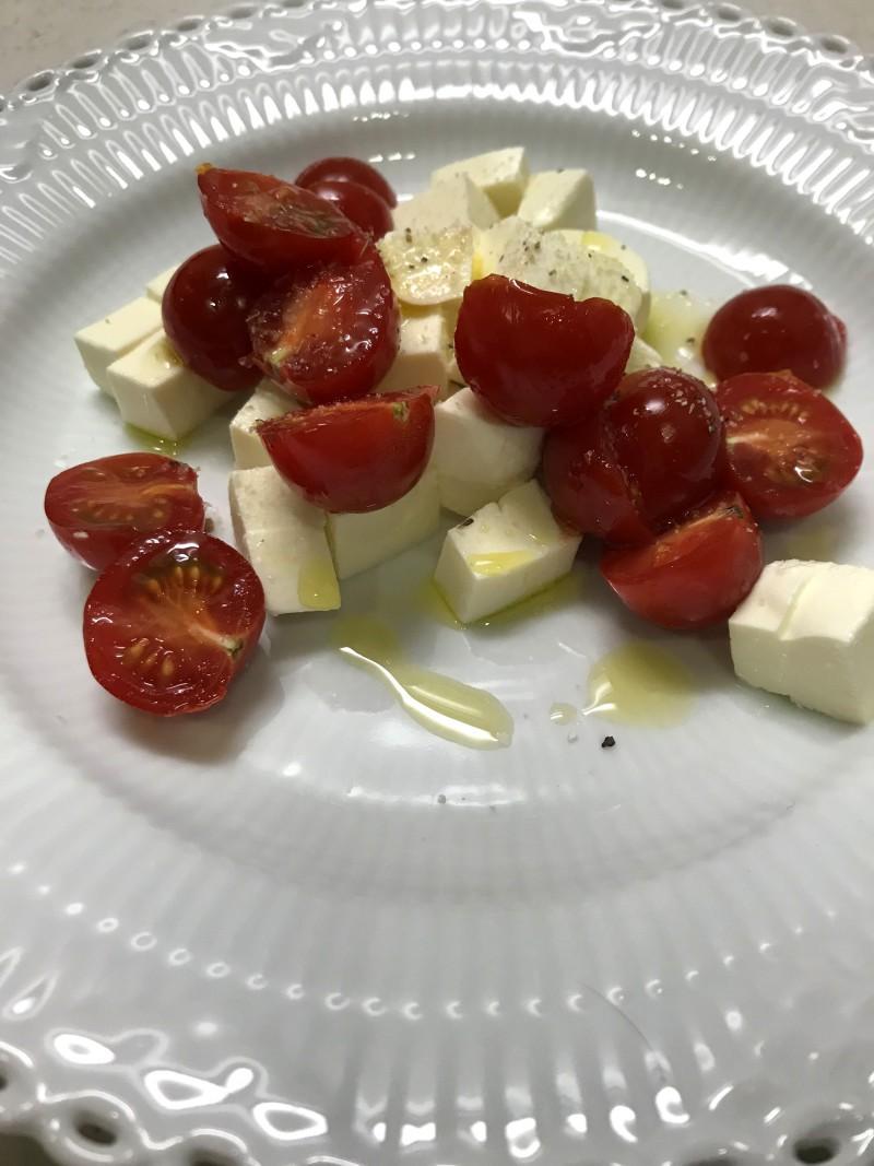 モッツァレラチーズとトマトの和風カプレーゼ手順2
