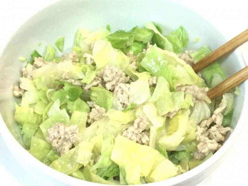 レンジで簡単!キャベツと鶏ひき肉のポン酢和え手順1