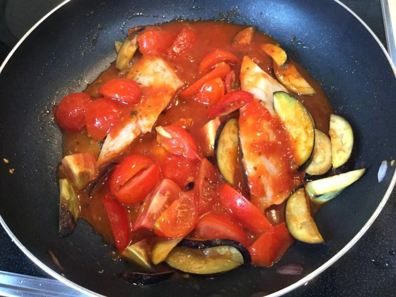 アッサリ美味しい♪たらのトマト煮込み手順3