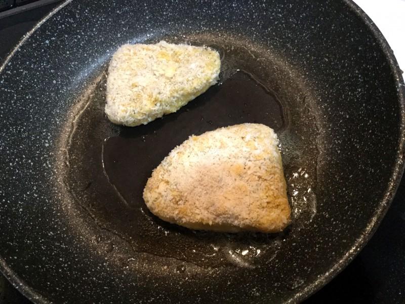 ハーブ入りで香り高い♪かじきのチーズフライ手順5