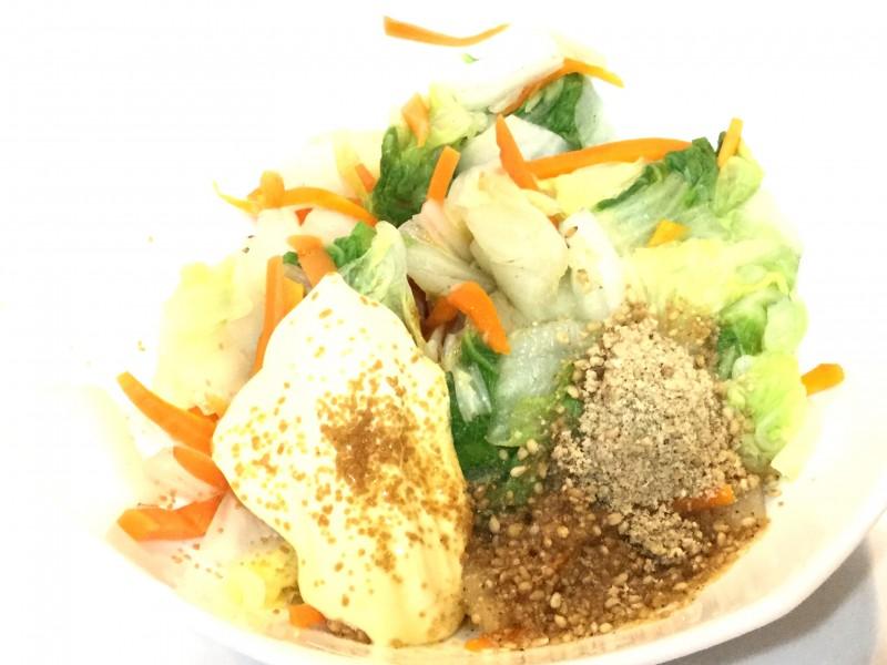 たっぷり白菜が食べられる!胡麻マヨポンサラダ手順1