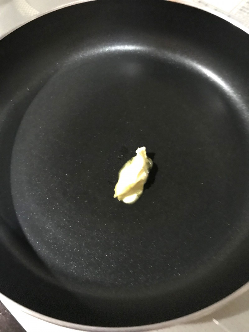 ベビーホタテのバター醤油炒め手順3