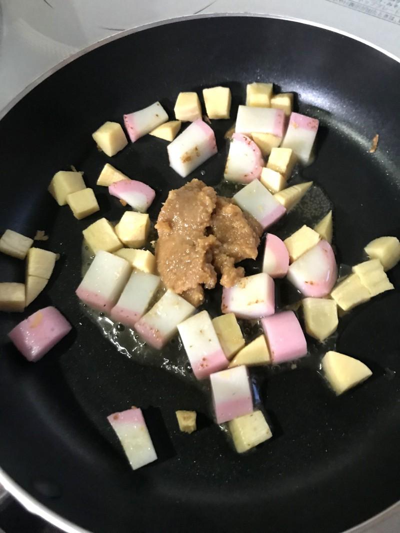 筍とかまぼこの味噌炒め手順5