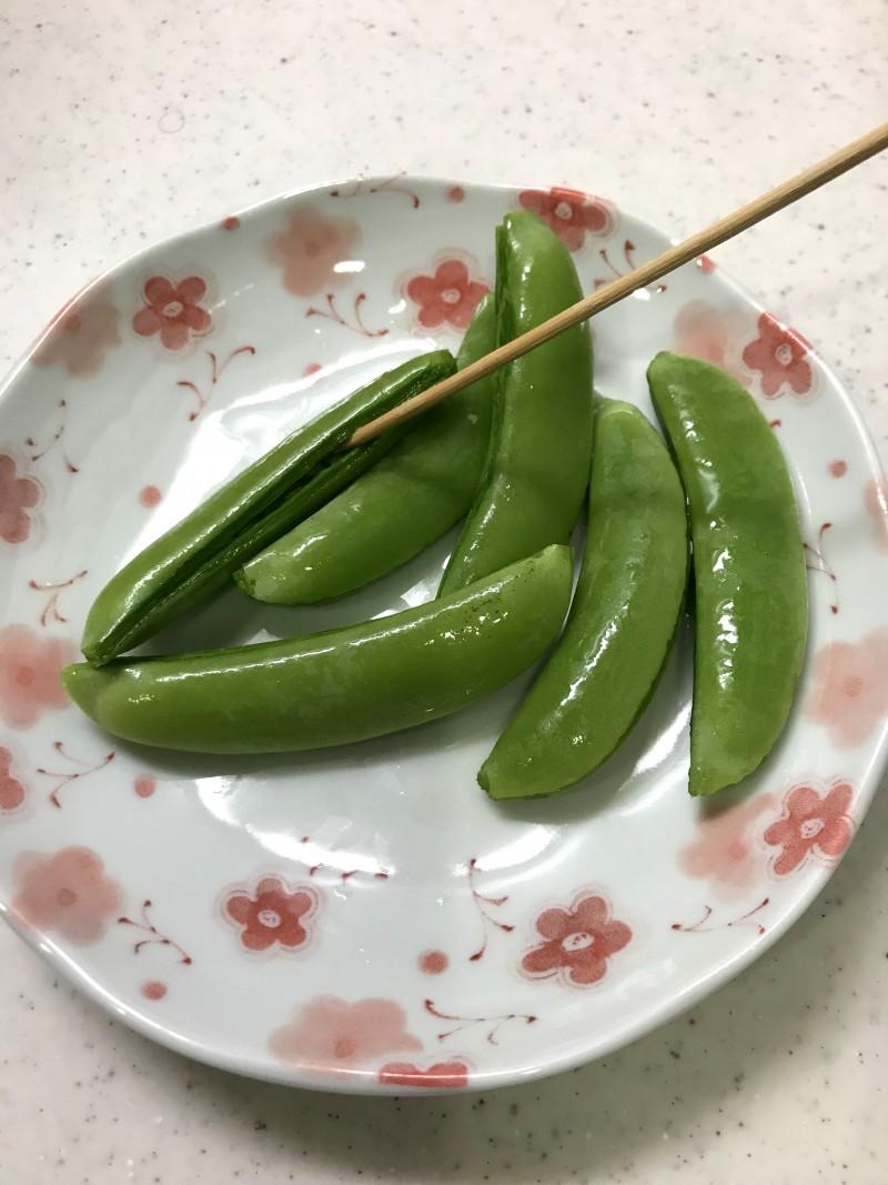 スナップエンドウの肉巻き手順1
