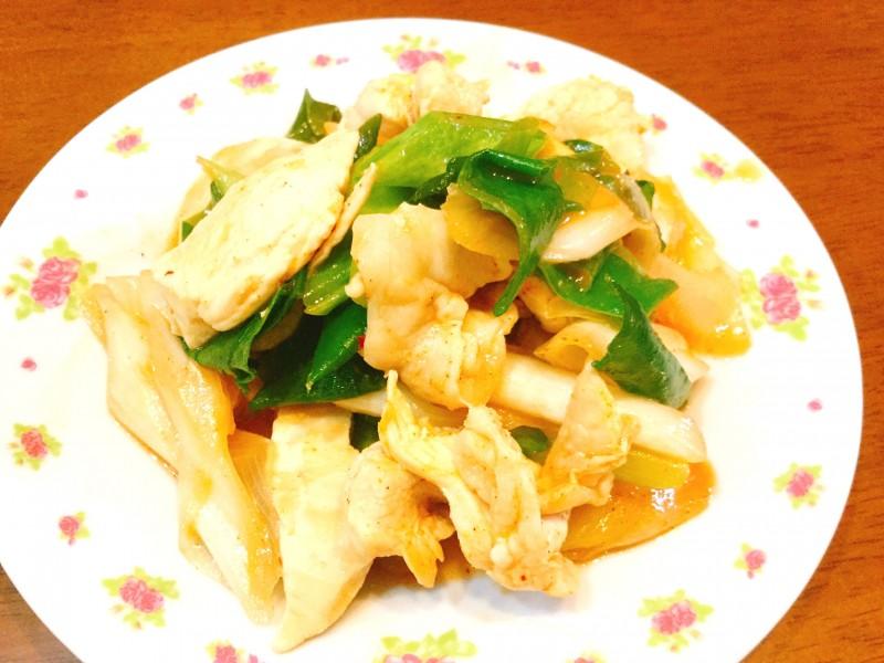 ピリ辛美味しい!たっぷりネギと鶏肉のキムチ炒め