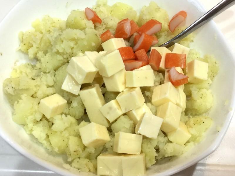 コクのある味わい!ゴロゴロポテトのやみつきサラダ手順2