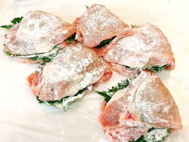 カリッと焼いて♪豚肉のシソチーズ巻き手順2