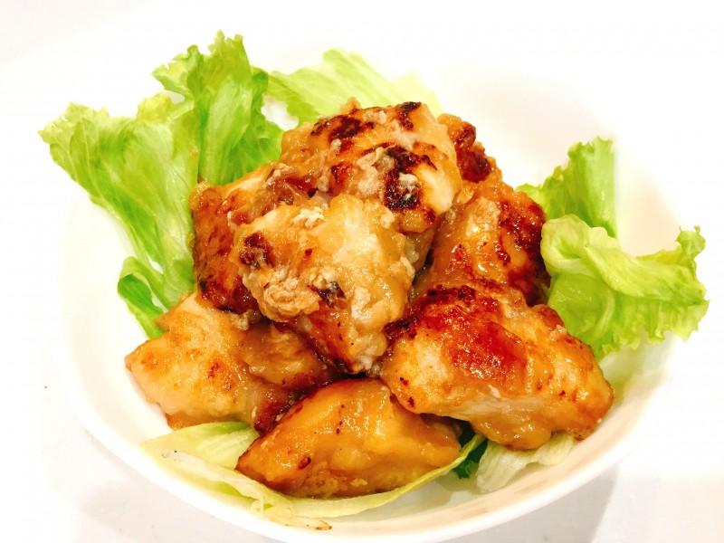 すりおろし玉ねぎ効果で柔らか♪鶏肉のこってり炒め
