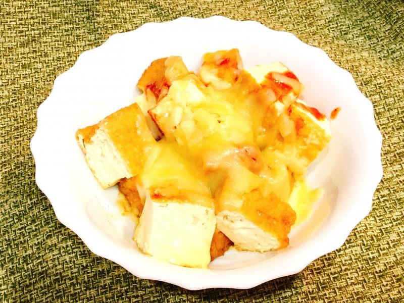 レンジであっという間!厚揚げとキムチのとろ~りチーズ