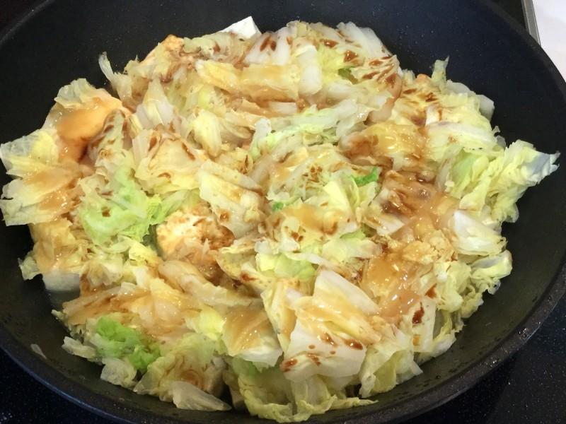 フライパンでできる!豆腐と白菜の味噌チーズ蒸し手順3