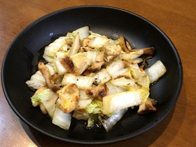 鶏皮で作る!濃厚白菜炒め