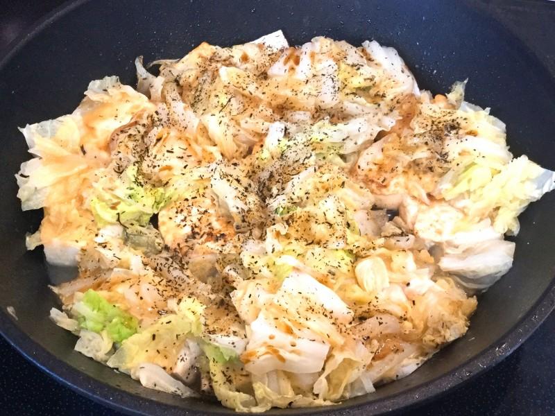 フライパンでできる!豆腐と白菜の味噌チーズ蒸し