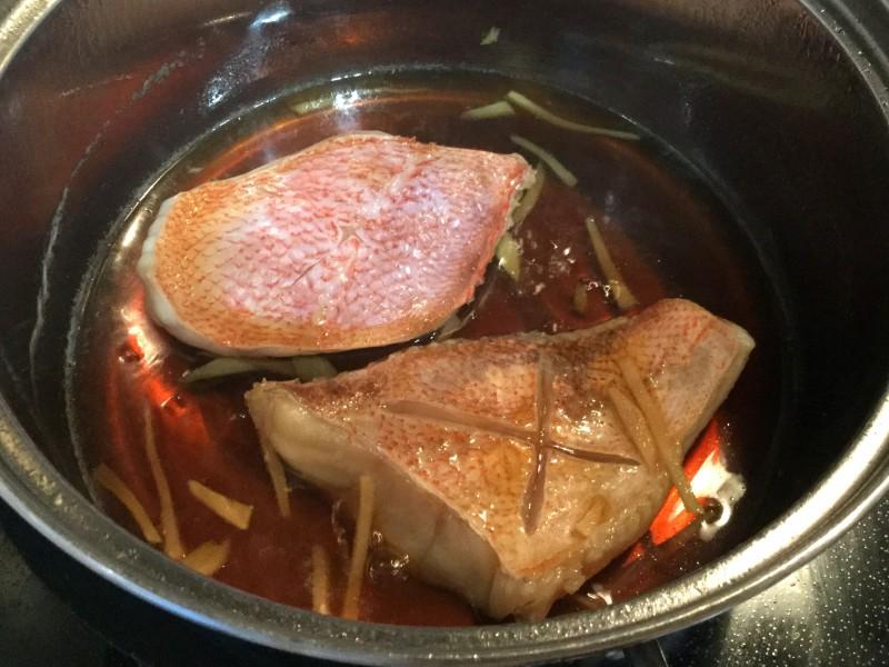 ホクホクしっとり♪赤魚としめじの煮物手順2